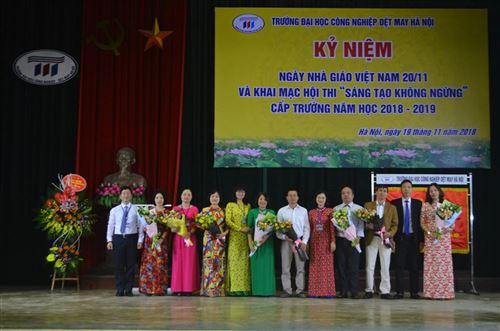 Mít tinh kỉ niệm ngày nhà giáo VN và khai mạc Hội thi Sáng tạo không ngừng năm học 2018-2019