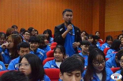 Đối thoại giữa sinh viên với lãnh đạo nhà trường năm học 2019-2020