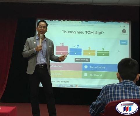 Giảng viên khoa Kinh tế tham gia tập huấn Khóa học  Marketing online 4.0