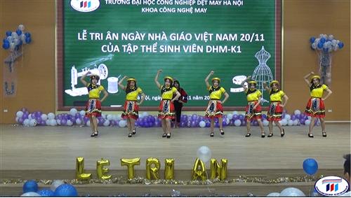 Cảm xúc vỡ òa trong Lễ tri ân ngày nhà giáo Việt Nam của các bạn sinh viên ngành Công nghệ May