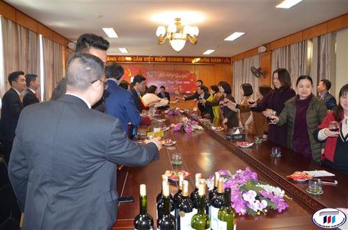 Lãnh đạo Tập đoàn Dệt May Việt Nam chúc tết trường Đại học Công nghiệp Dệt May Hà Nội năm 2020