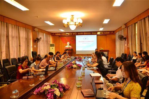 Họp Hội đồng  duyệt dự thảo báo cáo tự đánh giá (lần 1)