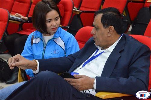 Sinh viên HTU tự tin trước các vị khách quốc tế
