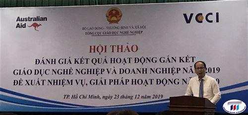 Trường Đại học Công nghiệp Dệt May Hà Nội tham gia Hội thảo đánh giá kết quả hoạt động gắn kết giáo dục nghề nghiệp và DN.