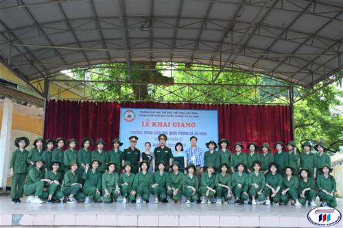 Khai giảng chương trình Giáo dục quốc phòng và an ninh  năm học 2019-2020 sinh viên đại học khóa 4 HTU