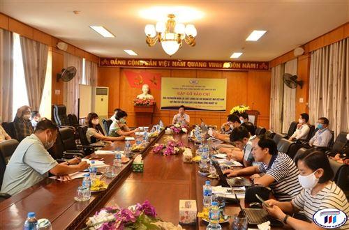 Trường Đại học Công nghiệp Dệt May Hà Nội gặp gỡ báo chí năm 2020