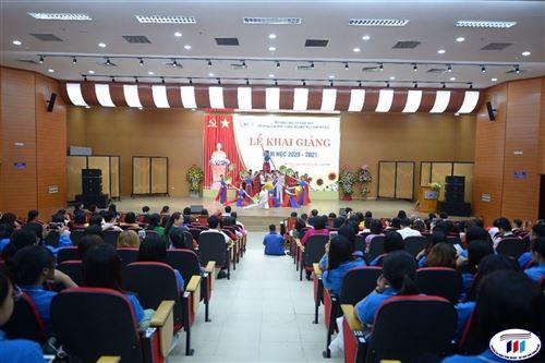 Trường Đại học Công nghiệp Dệt May Hà Nội khai giảng chào mừng năm học mới 2020-2021
