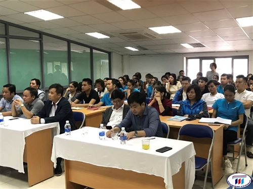"""Khai giảng: """"Lớp đào tạo nâng cao trình độ, kỹ năng nghề nghiệp cho đoàn viên và người lao động năm 2020"""" tại Nam Đàn, Nghệ An"""