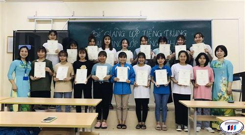 Bế giảng lớp tiếng Trung và khai giảng lớp tiếng Trung, tiếng Nhật