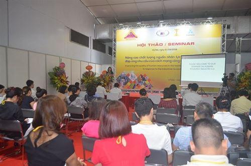 """Hội thảo """"Nâng cao chất lượng nguồn nhân lực dệt may đáp ứng yêu cầu của cuộc cách mạng công nghiệp 4.0"""""""