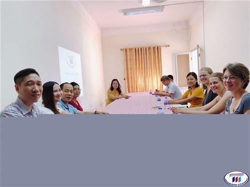 Tiếp đón đoàn giảng viên Thụy Sỹ sang thực tế tại Trung tâm Sản xuất dịch vụ trường Đại học Công nghiệp Dệt May Hà Nội