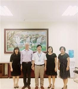Công ty Smartcom đến thăm và làm việc về công tác đào tạo tiếng Anh tại trường Đại học Công nghiệp Dệt May Hà Nội