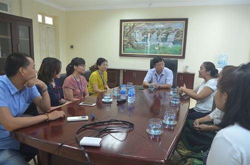 Đón tiếp chuyên gia và thí sinh Lào luyện thi Tay nghề ASEAN lần thứ XII nghề Công nghệ Thời trang