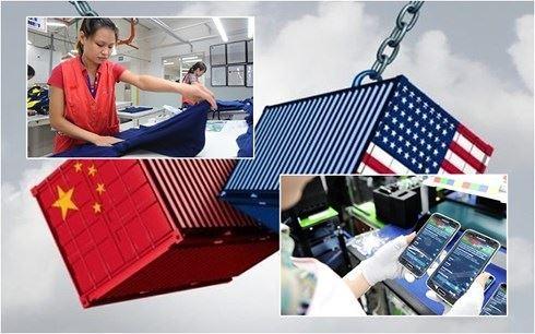 Hàng điện tử và dệt may Việt Nam thêm cơ hội từ chiến tranh thương mại