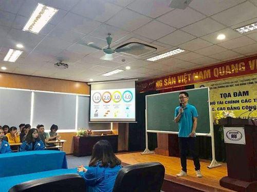 """Sinh hoạt CLB ngành CNM với chủ đề   """"Công việc mơ ước, đam mê hay tiền bạc"""""""