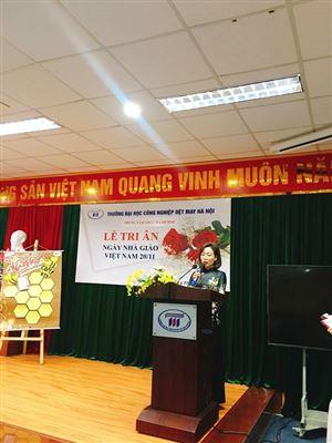 Học sinh - sinh viên Trung tâm Thực hành may tổ trức Lễ tri ân  ngày Nhà giáo Việt Nam 20-11