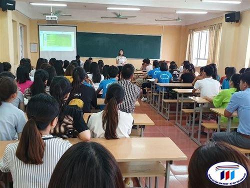 Buổi giao lưu giữa sinh viên Khoa Kinh tế với Doanh nghiệp