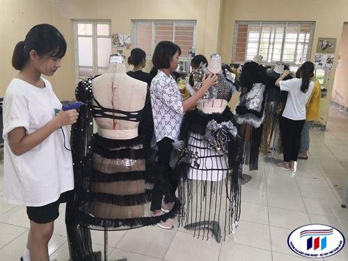 """Câu lạc bộ thời trang sôi nổi tham gia chương trình """"Gala chào tân sinh viên năm 2019"""""""