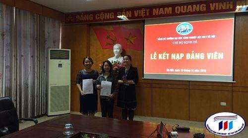 Lễ kết nạp Đảng viên mới của chi bộ khoa Kinh tế