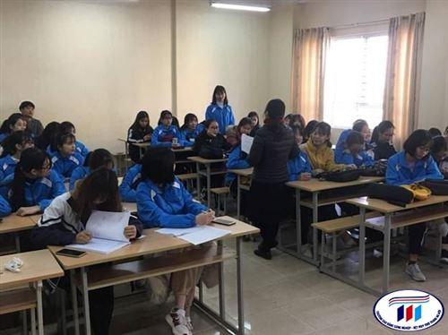 Cố vấn học tập tổ chức đối thoại với sinh viên tại cấp cơ sở