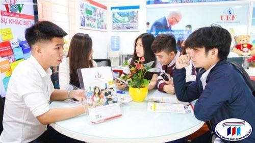 Cần quy định quản lý thời gian và công việc sinh viên được làm thêm