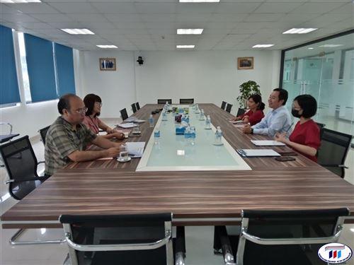 Đoàn lãnh đạo trường Đại học Công nghiệp Dệt may Hà Nội làm việc và tham quan Công ty TNHH Dệt nhuộm Jasan (Việt Nam)