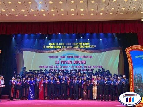 Tỉ lệ việc làm sau tốt nghiệp của Đại học khóa đầu tiên khẳng định chất lượng đào tạo tại trường Đại học công nghiệp Dệt May Hà Nội
