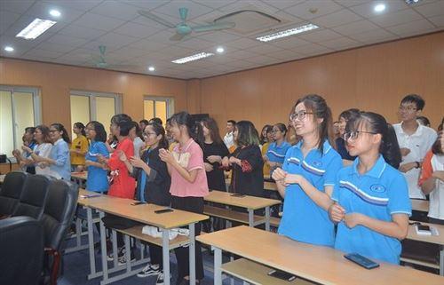 Lễ ra mắt Câu lạc bộ tiếng Anh trường Đại học Công nghiệp Dệt May Hà Nội