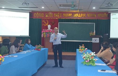 Truyền cảm hứng và phương pháp học tiếng Anh cho sinh viên Đại học Công nghiệp Dệt May Hà Nội