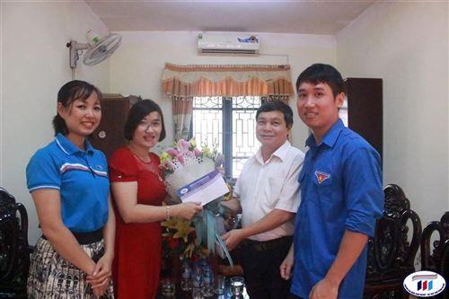 Trường Đại học Công nghiệp Dệt May Hà Nội thăm, tặng quà nhân ngày thương binh liệt sỹ 27/7