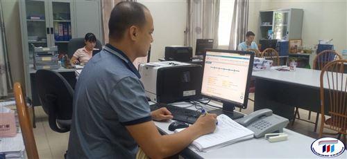 Tân sinh viên HTU nhập học bằng hình thức trực tuyến