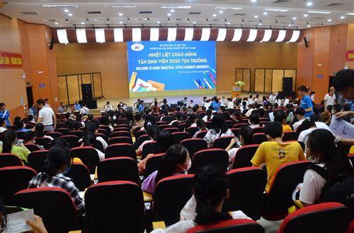 Nhập học - Trường Đại học Công nghiệp Dệt May Hà Nội - 01