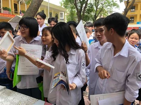 Tư vấn tuyển sinh năm 2021 - Trường Đại học Công nghiệp Dệt May Hà Nội - 04