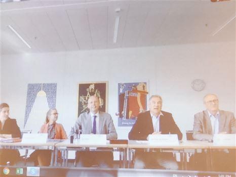 Lễ ký thỏa thuận hợp tác với Trường đào tạo các ngành công nghiệp, Thụy Sĩ (BZZ IDM)