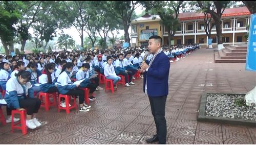 Tư vấn tuyển sinh năm 2021 - Trường Đại học Công nghiệp Dệt May Hà Nội - 02