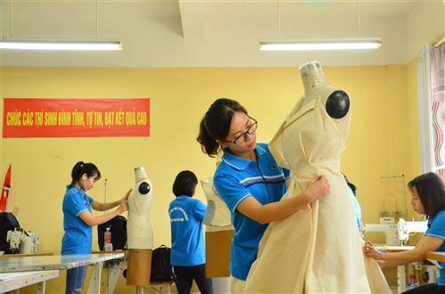 Học tập tại trường Đại học Công nghiệp Dệt May Hà Nội