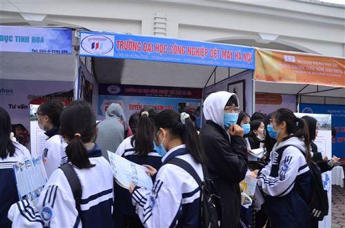 Tư vấn tuyển sinh năm 2021 - Trường Đại học Công nghiệp Dệt May Hà Nội - 08