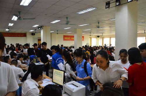 Nhập học - Trường Đại học Công nghiệp Dệt May Hà Nội - 03