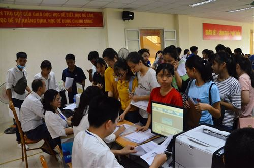 Nhập học - Trường Đại học Công nghiệp Dệt May Hà Nội - 05