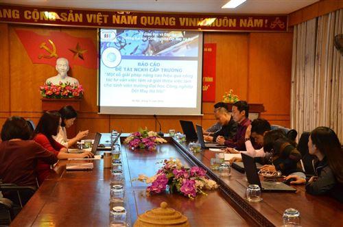 Nghiệm thu đề tài nghiên cứu khoa học cấp Trường, chủ nhiệm ThS. Phạm Xuân Hà, phòng Tuyển sinh và Truyền thông